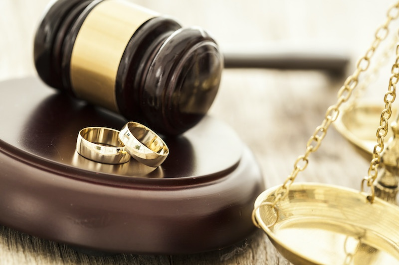 Gavel and rings stock image